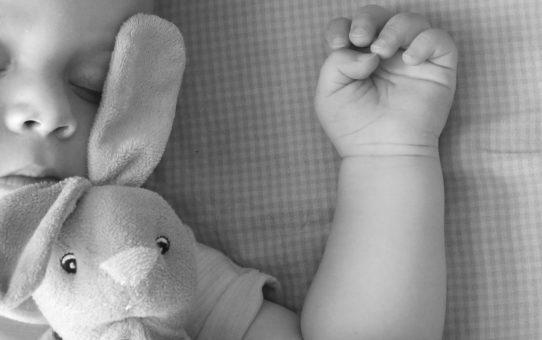 """bimbo che dorme con orsetto: una delle fisse"""""""